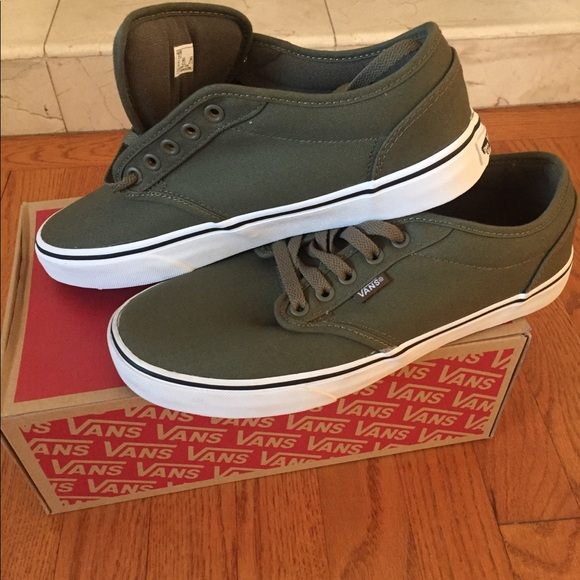 Vans men's shoes greenwhite new in box NWT